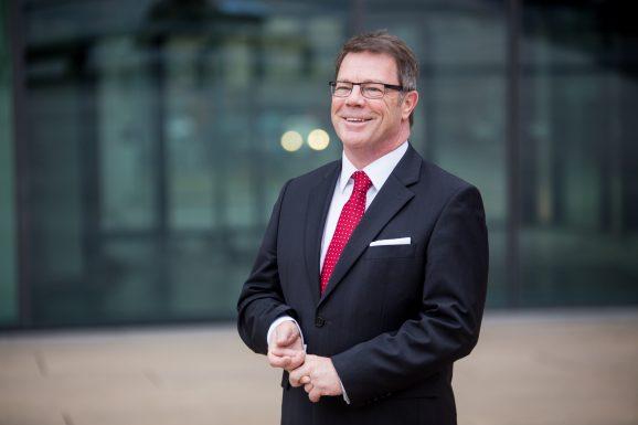 Redner Oliver Groß